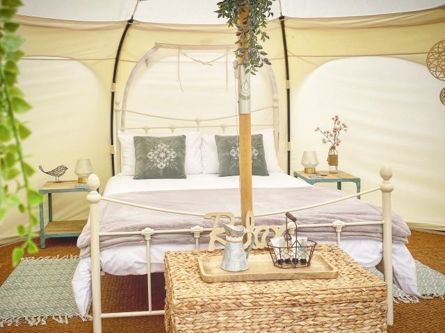 Stargazer interior Le Ranch Camping